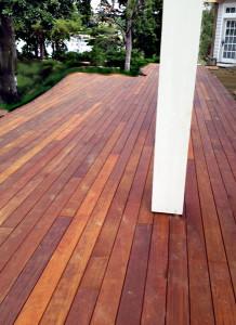 deck board spacing